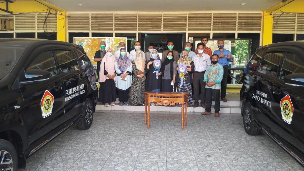 Raih Akreditasi A, Rektor Berikan Mobil Operasional Bagi Fakultas Hukum